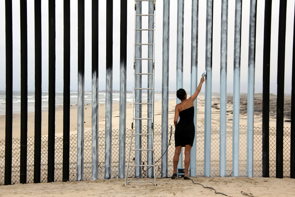 Erasing the Border (Borrando la Frontera)